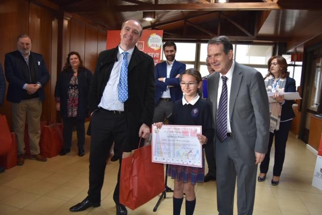 Dúas alumnas do Colexio, premiadas no concurso de pintura Vigolandia