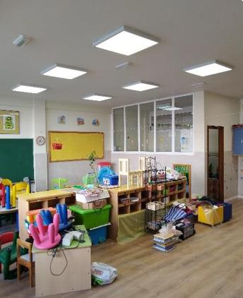 O cambios de fluorescentes por luces led aforrará ao Colexio un 60% en enerxía eléctrica cada ano